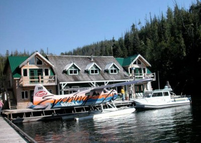 Vintage Kenmore Air float plane at Echo Bay Lodge
